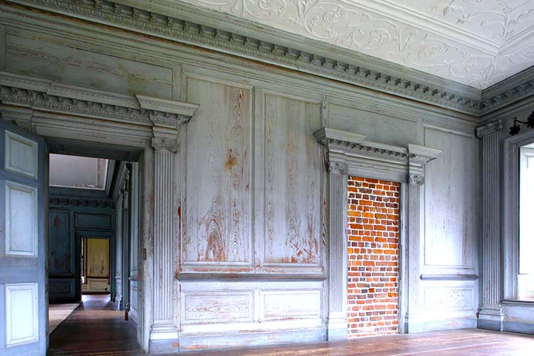 A sham door in Drayton Hall's Withdrawing Room in Charleston, South Carolina