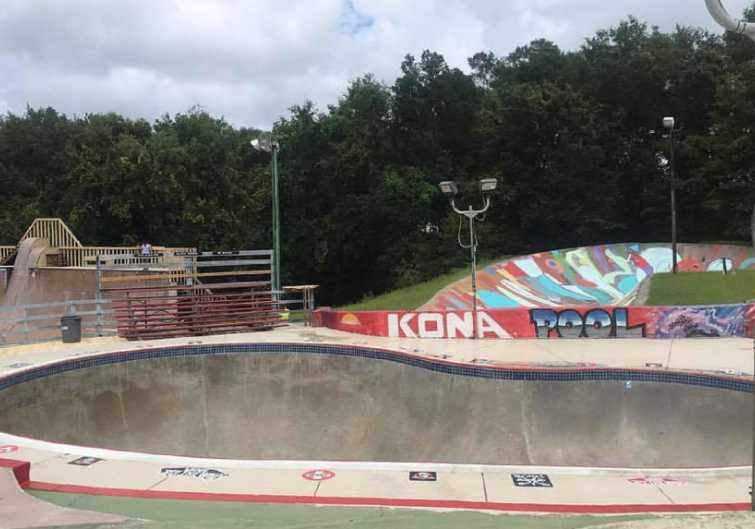 An overlook of a skating bowl at Kona Stake Park in Jacksonville, FL